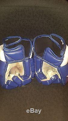2001-02 Darcy Tucker Toronto Maple Leafs Game Worn & Signed Photo Matched Gloves
