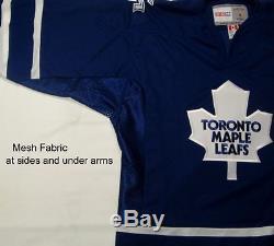 ERIC LINDROS size Medium Toronto Maple Leafs CCM 550 2005 2006 Hockey Jersey