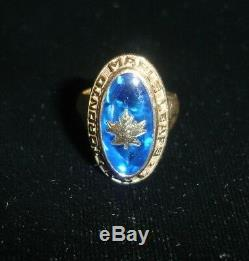 Original circa 1974 Toronto Maple Leafs NHL 10K Gold Ladies Ring with Player LOA