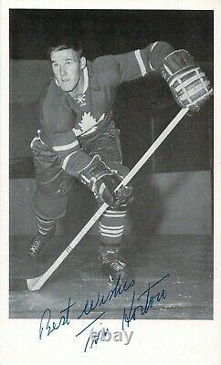 Tim Horton Toronto Maple Leafs Signed Photograph. Beckett Certified