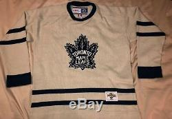 Toronto Maple Leafs Vintage Hockey CCM Classic Jersey Sweater Size- Large