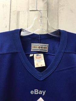 Vintage Toronto Maple Leafs CCM Maska NHL Authentic Jersey Size 56 w Fight Strap